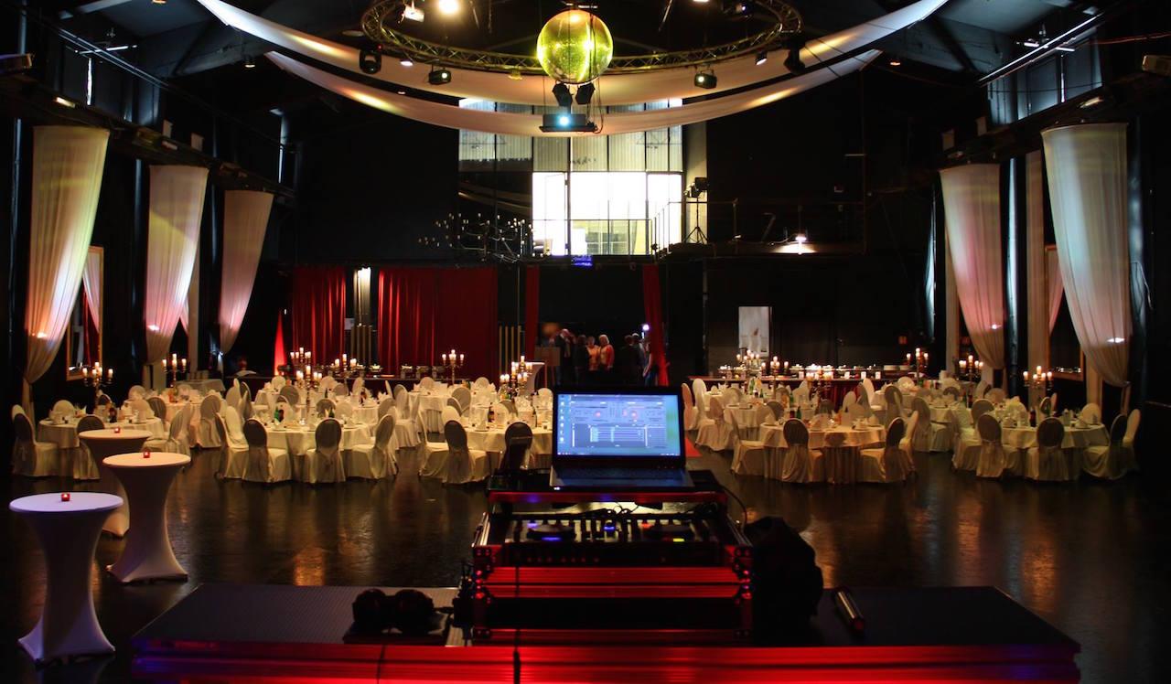 HyperTonLich - DJ, Fotobox und Veranstaltungstechnik